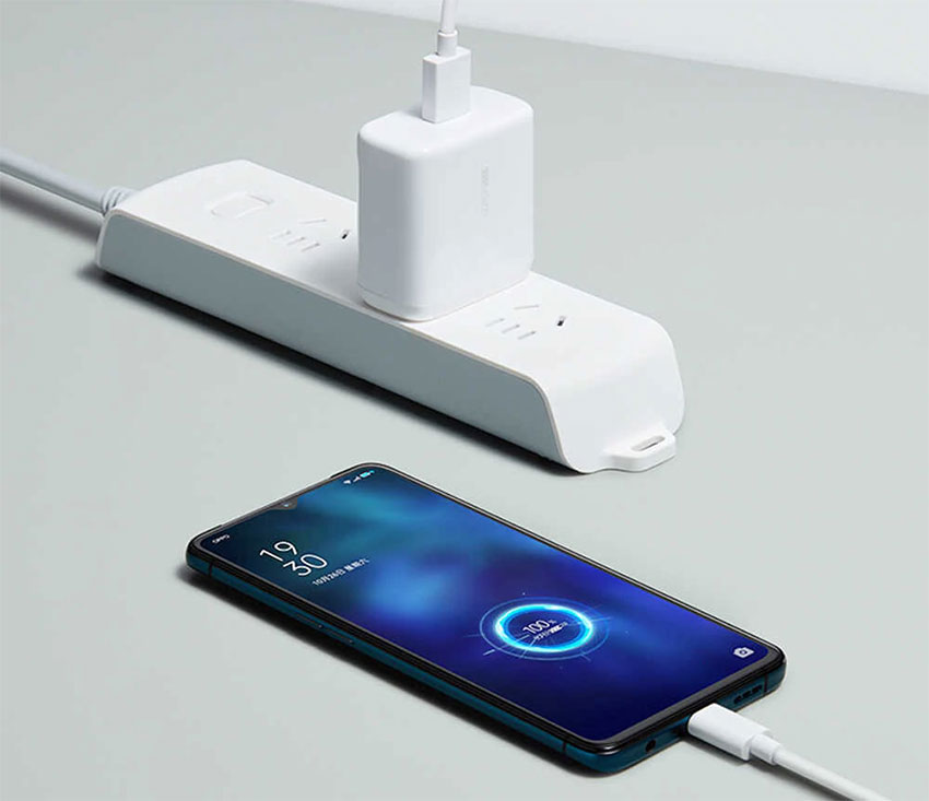 Realme-Smart-Charger-with-Type-C-Cable-b
