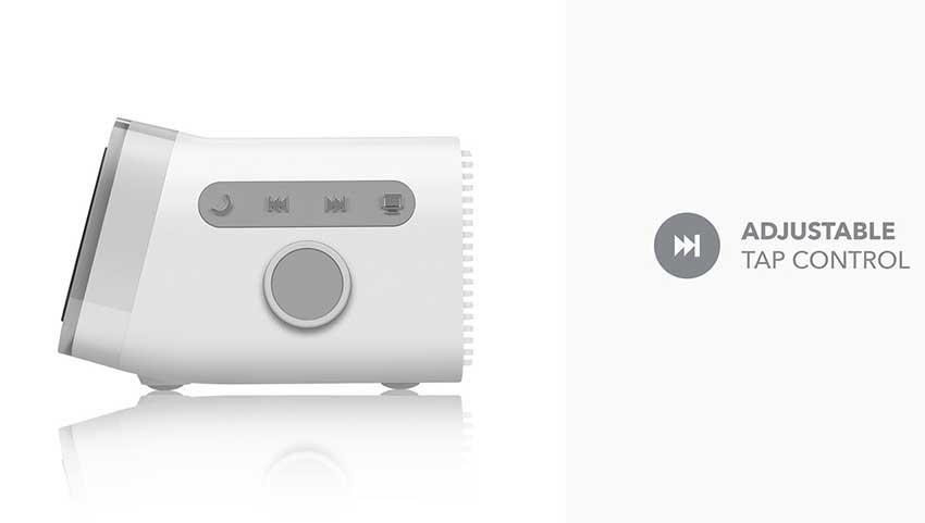 MOMAX-Wireless-Charger-Digital-Clock_3.j